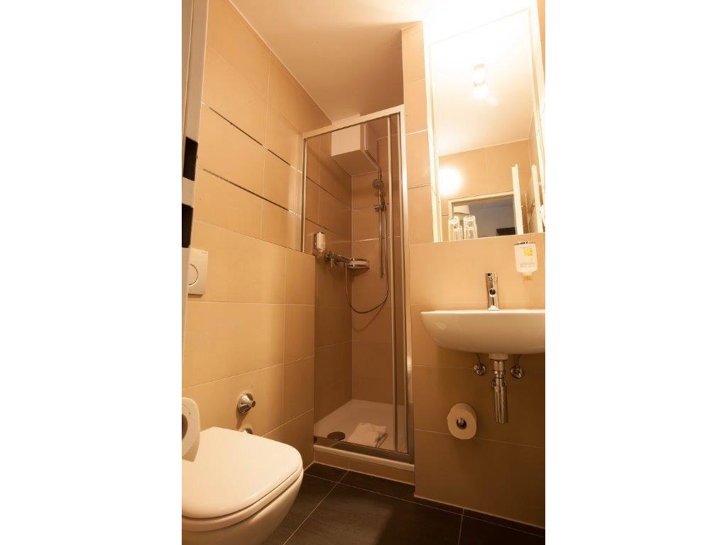 standard-rooms-rooms-030