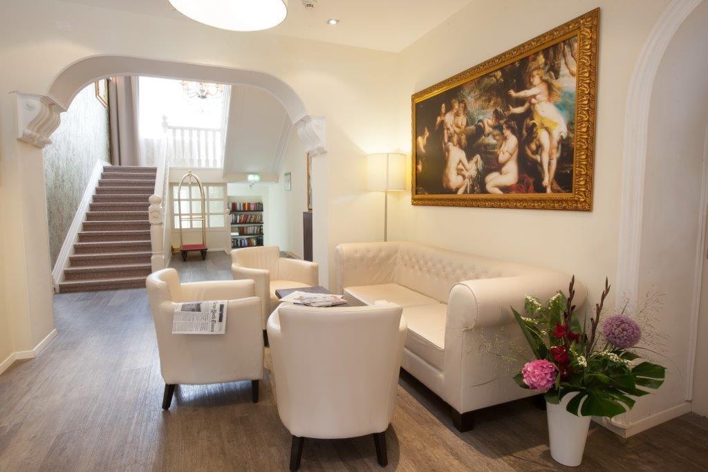 lounge-013